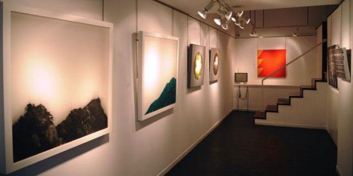西班牙马德里中国文化中心举办纪念白求恩图片展